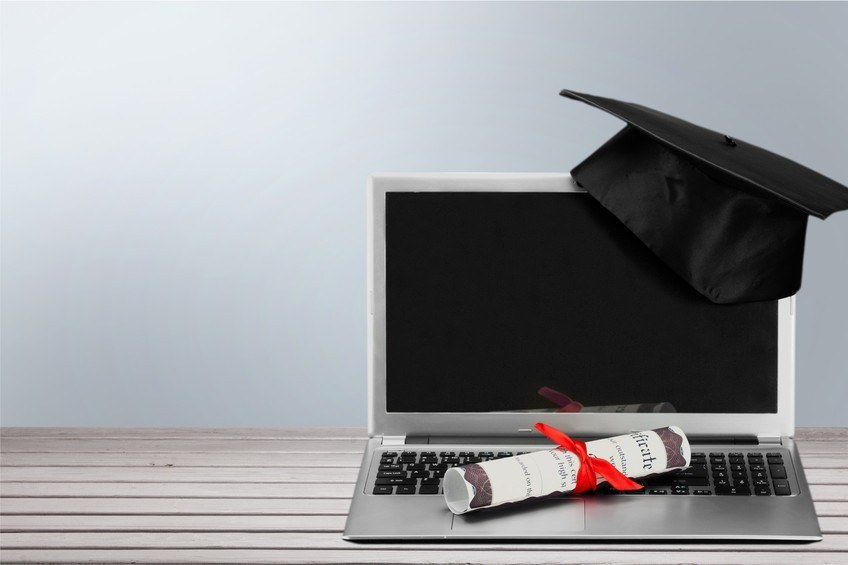 Degree vs. Certification: Which Is More Beneficial to a Career in IT? thumbnail