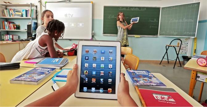 Creating a Technologically Balanced Classroom - Kotobee Blog thumbnail