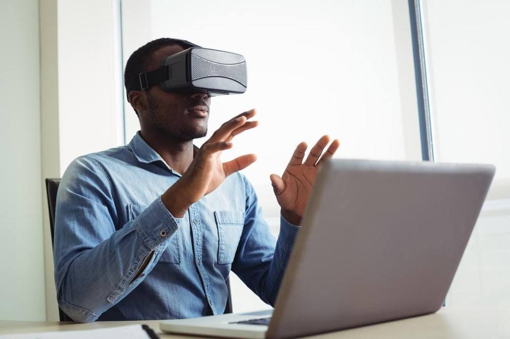 How Game-Based Learning & Simulated Reality Are Advancing Education thumbnail