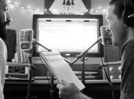 How to Record a High-Quality Audio Narration at Your Workplace thumbnail